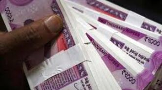 Rupee slumps 33 paise to 74.74 against US dollar in early trade