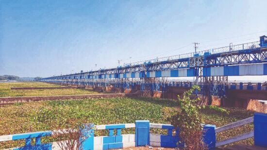 Durgapur Barrage: Stakeholders asked to sincerely create infrastructure to store water to allow timely maintenance
