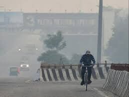 Delhis air quality improves marginally, but still in poor category