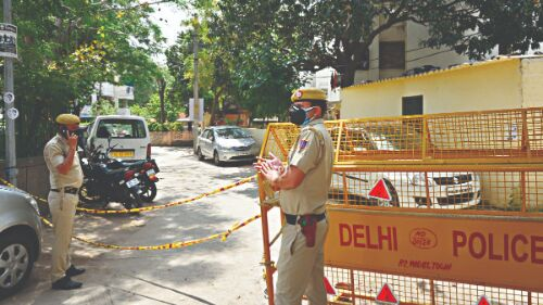 Gallantry award-winning ASI among 5 arrested for Rs 2 crore extortion bid