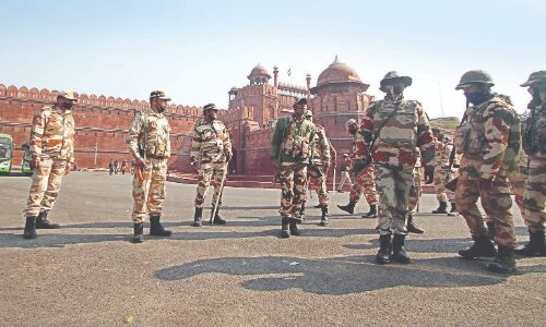 After R-Day, Delhi Police rush   to buy tear ammo in min time