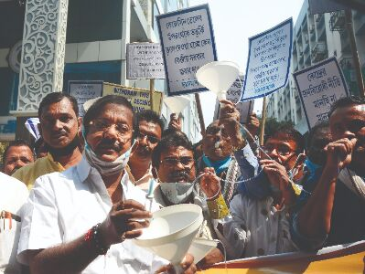 Min flags off protest: Ration dealers ask Centre not to scrap subsidy for kerosene