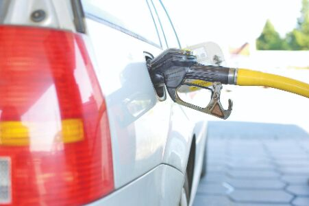 Bengal fails to reap full benefit of Re 1 tax cut as fuel prices surge across India