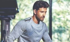 Hrithik donates Rs 11 lakh to Help India Breathe