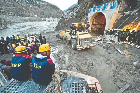 Ukhand disaster was caused by massive rock and ice avalanche