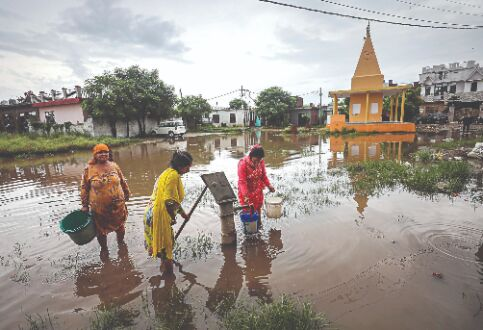 IMD forecasts heavy rainfall over western, central India