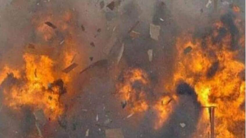 5 charred to death as car catches fire after colliding with bus in Jharkhand