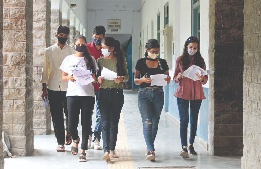 Low turnout on day 1 as DU colleges resume practical lab sessions for final year students