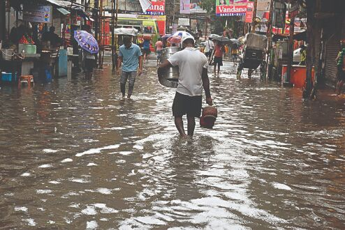 At least 15L affected; 600 camps sheltering about 1.20L people